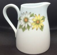 Noritake Cookin Serve China White Creamer Yellow White Daisies 6730 Marguerite