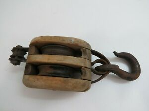 2+1/2 inch Wood & Cast Iron Double Ships Pulley Block (C4C954)