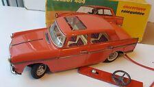 Peugeot 404 orange neuve en boite Joustra jouet ancien en tôle