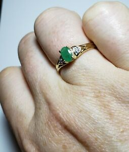 10k Yellow Gold Oval Emerald & Diamond Ring Size 7 / Anillo de Oro