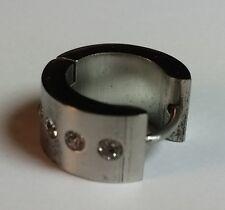 Akzent eine Edelstahl Kreole Ohrring 13mm Durchmesser Farbe Silber mit Strass