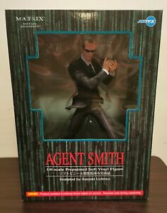 Matrix Reloaded Agent Smith 1/6 PVC Figure sculpted by satoshi uchiwo