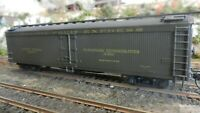 Athearn HO BB Pacific Fruit Express Round Roof 50' Express Reefer Upgraded, Exc.