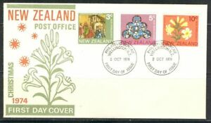 NEW ZEALAND 1974, CHRISTMAS, STAINED GLASS WINDOW, Sc 560-562 on CACHETED F.D.C.
