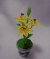1:12 Scale Lilly Flowers In A pot  Garden (Yellow)