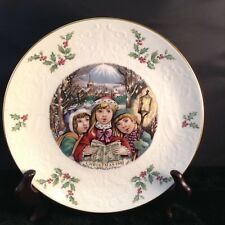 Royal Doulton Fine Bone China 1981 Christmas Plate Carolers Fifth in Series (5)