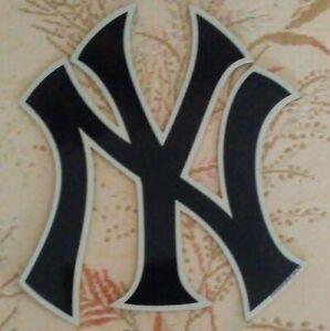 Magnet: New York Yankees 'NY' Logo Magnet