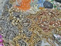 Huge Lot Vintage Now Jewelry POUNDS Necks Earrs Beads Bracelets WEAR Sell Craft