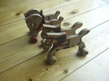 Pärchen antikes Holzpferd mit Rädern - Nachziehpferd - vintage  Patina Zustand