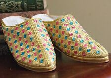 6.5 IZOD LA COSTE LADIES SHOES SLIPPERS MULE FABRIC SZ 37 WEDGE EMBROIDERED GOLD