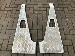 Land Rover Defender Wing Tops with Chequer Plate