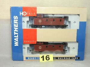 WALTHERS HO SCALE #932-27504 MAINE CENTRAL 30' WOOD CABOOSE 2 PACK NEW