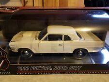 1/18 SCALE HIGHWAY 61 WHITE 1963 PONTIAC SUPER DUTY