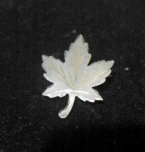 Small Vintage Sterling Silver Maple Leaf shaped Brooch or pin 12648