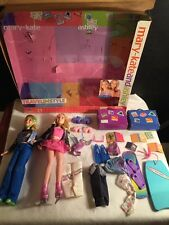 MARY KATE AND ASHLEY TRAVEL IN STYLE BARBIE DOLLS