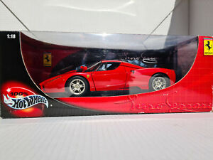 100% Hot Wheels 1/18 - Ferrari Enzo red ***boxed***