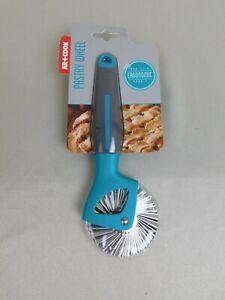 Art and Cook Ergonomic, Non-Slip Pastry Wheel - Blue #91