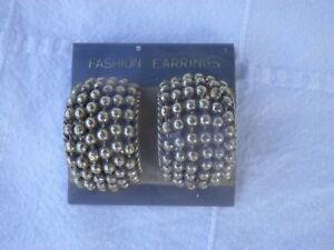 Vintage Paire de Boucles d'oreilles Fashion F. Arrings