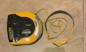 SONY Sports Discman ESP2 CD Player D-ES51 W/ Original Headphones MDR-W14 WORKS