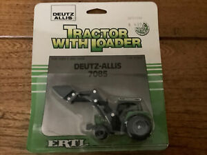ertl 1/64 farm country Deutz Allis Tractor With Loader NOS In Bubble Pack Card