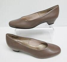 Soft Style Women's Angel II Beige Dress Pumps Low Heel Size 7.5 Narrow