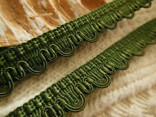 ancien galon vintage vert lumineux dntellé 3 mètres sur 1,3 cm
