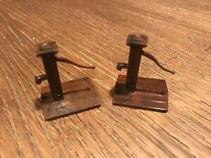 Lot Of 2 Plasticville Well Pump Brown Scale