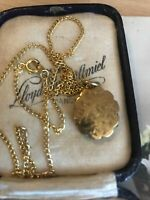"Vintage Gold Tone Gilt Locket On Gold Tone 18"" Neckchain"