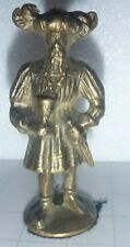 MEDIEVAL KING    SOLDIER FIGURE VINTAGE BRASS SUIT FINIAL  solid brass tactile