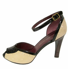 Marc by Marc Jacobs Ankle Strap Heels sz 9.5 39.5 beige & black spectator shoe