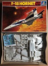 ITALERI 809 - McDONNELL-DOUGLAS F-18 HORNET - 1/48 PLASTIC KIT RARO
