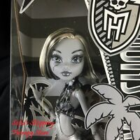 Monster High Skull Shores Black and White Frankie Doll NEW IN BOX NIB RARE