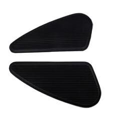 Zwei kleine Gummi Tankpad Kniepad schwarz für Benzintanks Cafe Racer