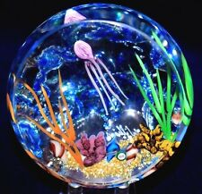 Fascinating WILLIAM MANSON Drifting JELLY FISH AQUARIUM Art Glass PAPERWEIGHT