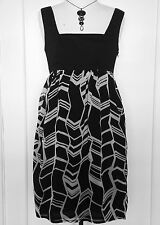 REVIEW Empire Waist EVENING DRESS Black & White Bow Sleeveless Baby Doll Size 8