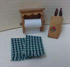 Dollhouse Miniature Paper towel holder, knife holder & knives, 2 green towels