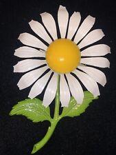 LG Vintage 60s White Yellow Enamel Daisy Flower Power Brooch Pin Estate Jewelry