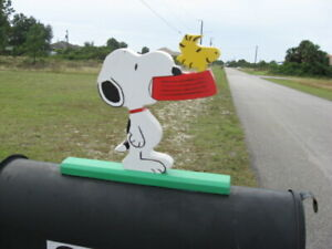 NEW Snoopy looking for dinner with Woodstock Mailbox Topper Handmade