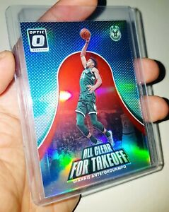 Giannis Antetokounmpo 2017-18 OPTIC All Clear Takeoff RED PRIZMS HOLO #d /99 1/1
