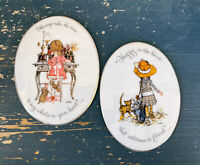 """LOT OF 2 Vintage 1973 HOLLY HOBBIE Wall Plaques Porcelain Japan Oval 6"""" X 4.5"""""""
