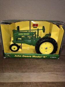 John Deere Model A Toy Tractor 1/16 Scale NIB