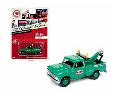 JOHNNY LIGHTNING 1/64 MJ EXCLUSIVES TEXACO 1965 CHEVROLET TOW TRUCK JLCP7014