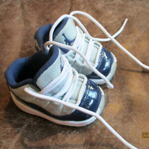 Great Jordan Jumpman Baby Toddler Shoes 2 C Gray & Navy Blue