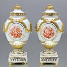 KPM Berlin: Paar Deckelvasen Lorbeer Girlande Putten Engel Blumen Vase Louis XVI