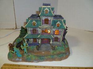 Disneyland Paris Phantom Manor Haunted Mansion lighted, musical figure