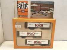 "N scale Con-Cor ""Bud Of California"" 40' piggyback box trailers"