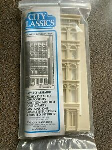 "New City Classics - 101 Grant St. Iron Front Bldg. HO Scale 1/87 - 5.25""x3.5""x9"""