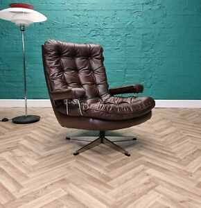 Mid Century Retro Danish Brown Leather Buttoned Swivel Lounge Arm Chair 1970s