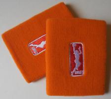 Nike Wnba para Dama Dri-Fit Muñequeras un Par Color Pichón Naranja Talla Osfm