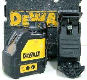DeWalt Red Beam Self Levelling 2 Way Cross Line Laser Level Kit In Case - DW087